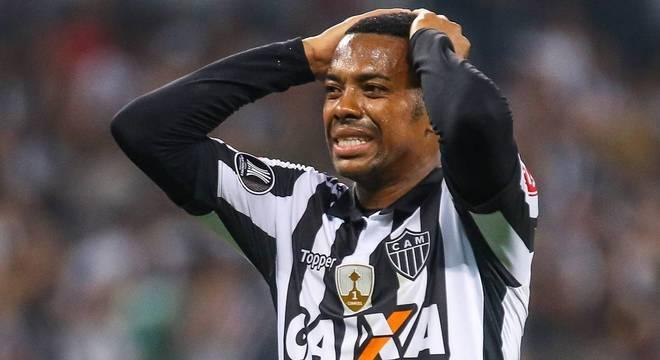 Além da decadência como jogador, Robinho pode virar problema legal