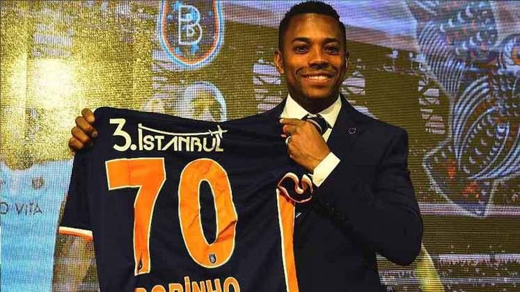 Robinho (İstanbul Başakşehir FK) - Contrato válido até 26 de julho de 2020.