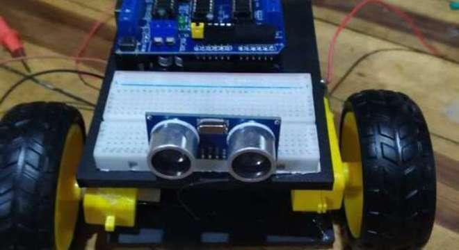 Robô desenvolvido por estudantes cearenses para crianças com autismo e cadeirantes