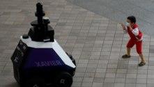 Cingapura testa patrulha com robôs para detectar mau comportamento