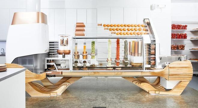 São necessários cinco minutos, de ponta a ponta, para que um hambúrguer seja produzido pelo robô da The Creator