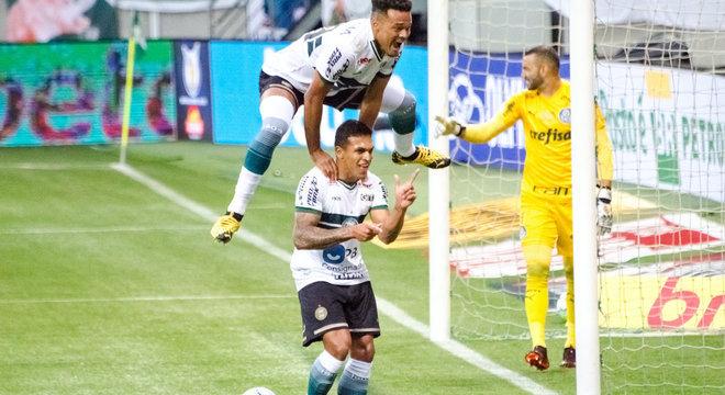 Robson comandou vitória do Coritiba sobre Palmeiras no Allianz Parque