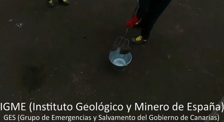 Equipes espanholas usaram garfo para manipular rocha vulcânica