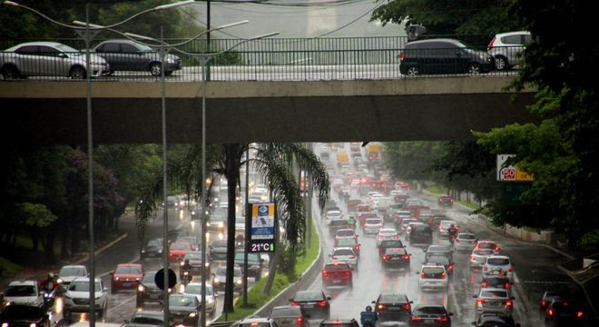 Rodízio volta a vigorar em São Paulo