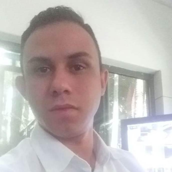 O porteiro Rodolfo Pessoa Viana diz que tem 'preocupação e muito medo' por ter de trabalhar durante período de quarentena estabelecido em SP.