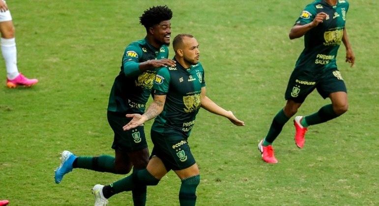 Rodolfo fez dois gols na vitória do América-MG para cima do Cruzeiro