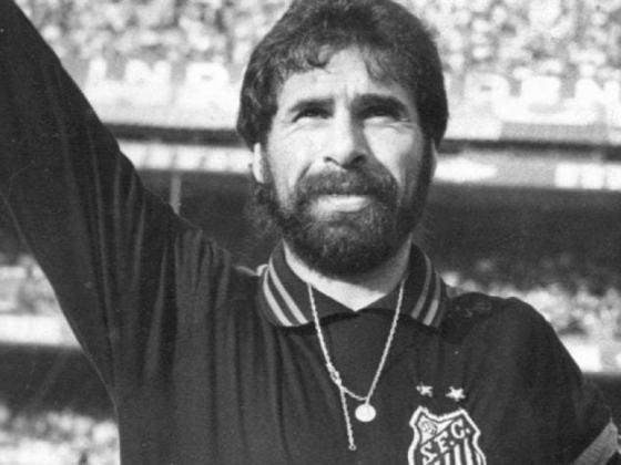 Rodolfo Rodríguez - Um dos maiores goleiros da história do Santos, o uruguaio Rodolfo Rodríguez atuou 255 vezes pelo Peixe, onde venceu o Paulista de 1984. Defendeu também Portuguesa e Bahia no futebol nacional