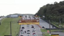 Apesar da pandemia, movimento nas estradas para o litoral é intenso