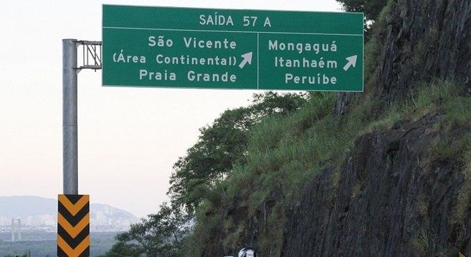 Apesar da antecipação do feriado, paulistanos seguem para o litoral sul