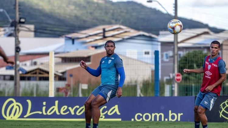 Rodrigão (atacante - 27 anos) - Pertence ao Santos e está emprestado ao Avaí somente até 31/1 - Alternou jogos como titular e outros como reserva na reta final da Série B
