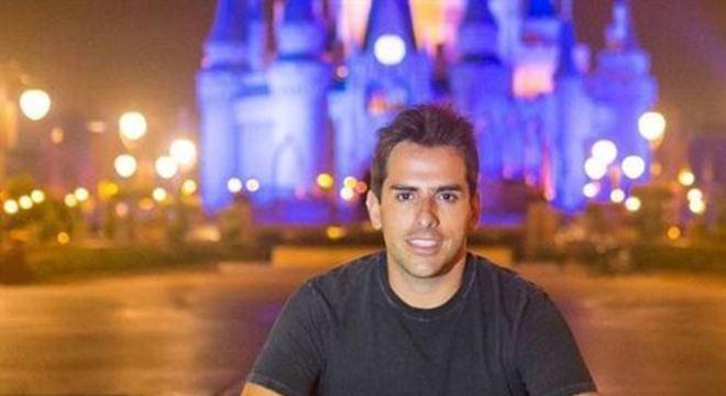 Rodrigo Branco, ex-diretor da Band e guia de celebridades em Orlando, participou de live da digital influencer Ju de Paulla