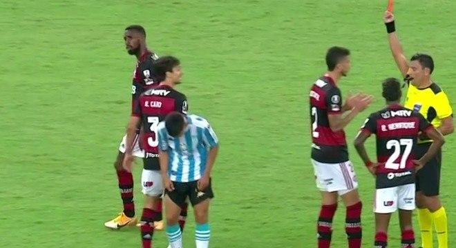Rodrigo Caio fez falta dura, infantil, na intermediária. Expulso, corretamente