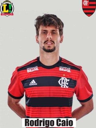 Rodrigo Caio - 5,0 Não comprometeu defensivamente, embora o sistema da