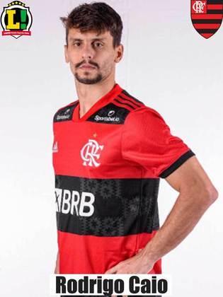 Rodrigo Caio - 5,5 - Um dos destaques do Flamengo na primeira etapa, o zagueiro participou do