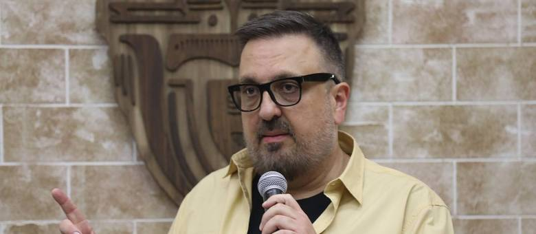"""Diretor Rodrigo Carelli na coletiva de """"A Fazenda"""""""