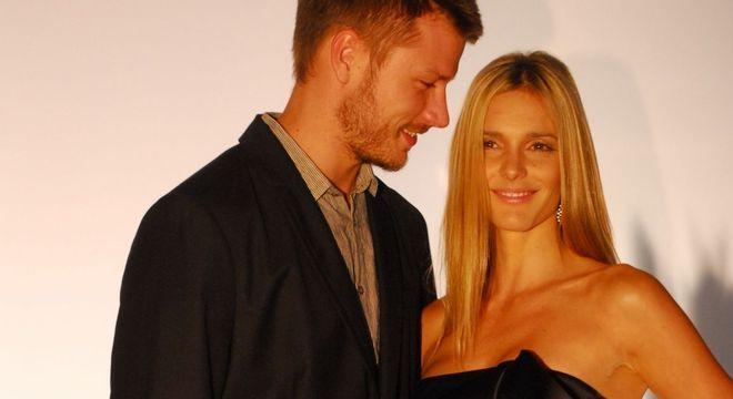 Rodrigo Hilbert e Fernanda, que sempre usou cabelo longo