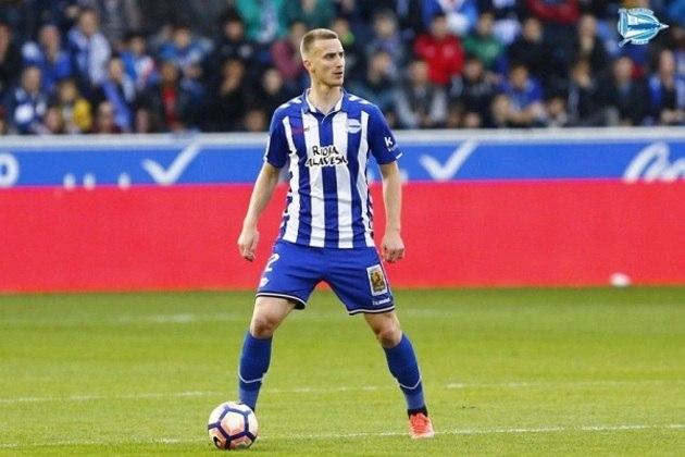 Rodrigo Ely - Alavés (Espanha) - Zagueiro - 27 anos - Contrato até:  30/06/2021