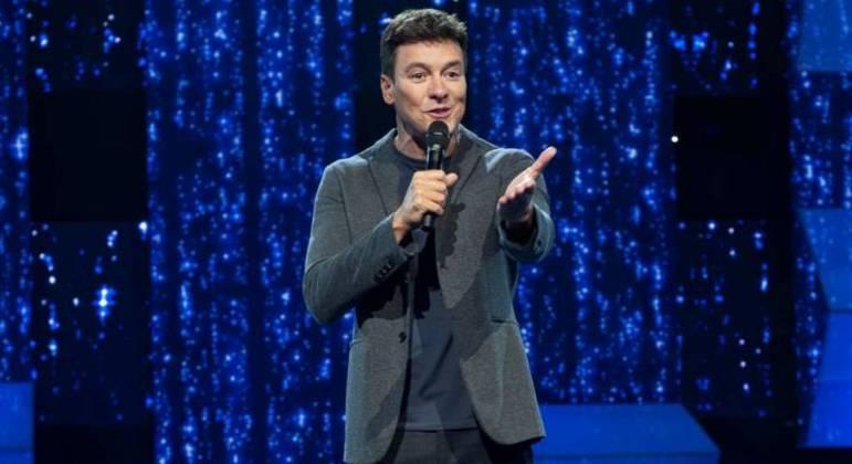 Rodrigo Faro comanda final do 'Canta Comigo 3': prêmio de R$ 300 mil