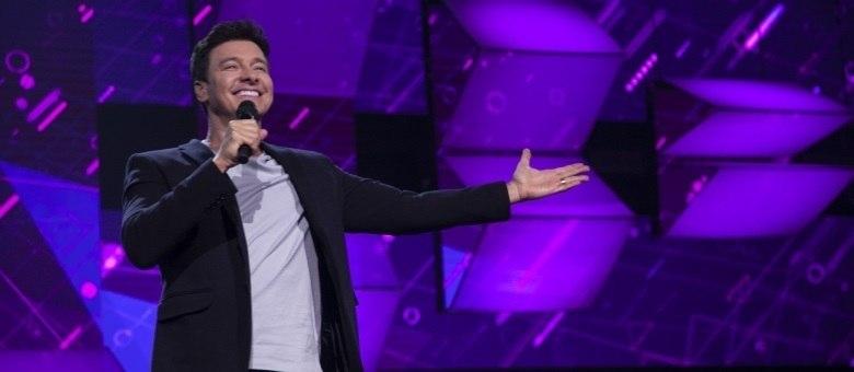 Rodrigo Faro comanda o quarto episódio do Canta Comigo Teen