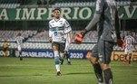 A curta carreira teve seus primeiros passos no profissional no empréstimo para o Coritiba, no ano passado. Pelo Coxa, foram 10 jogos disputados no Brasileiro e apenas um gol marcado. Ele acabou voltando para o Flamengo ainda em 2020
