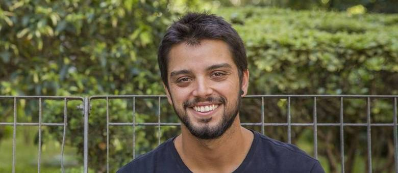 Rodrigo Simas vai soltar a voz em novela da Globo