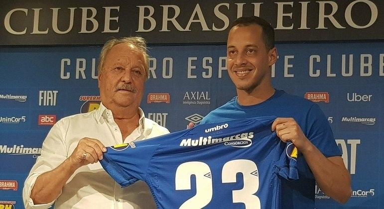 Rodriguinho. Investimento altíssimo pela diretoria que levaria o Cruzeiro à Série B