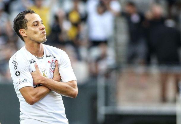 Rodriguinho é o 14º com mais assistências no Corinthians no século. Somando suas passagens entre 2013 e 2018, foram 21 passes para gol.