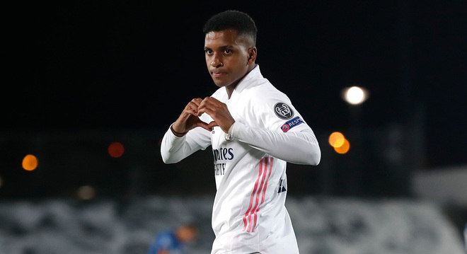 """Rodrygo, ex-Santos, entrou no jogo e, em 15', livrou a equipe """"Meregue"""" da rabeira"""