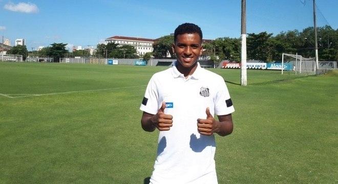 Rodrygo sonha em jogar com Neymar na Europa, mas prega foco no presente