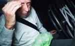 O ex-médico Roger Abdelmassih, de 73 anos, deixa na manhã deste sábado(1), o prédio onde fica o apartamento da família, na zona oeste de São Paulo(SP), acompanhado por policiais civis. Abdelmassih cumpria pena de prisão domiciliar havia uma semana mas terá que retornar ao presídio de Tremembé no interior do Estado, após decisão do Tribunal de Justiça que acolheu pedido do Ministério Público.