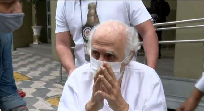 O ex-médico Roger Abdelmassih, saindo do DHPP nesta segunda-feira (31)