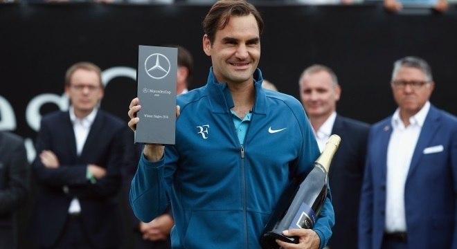 Roger Federer venceu o Torneio de Stuttgart e voltou a ser o número 1 do mundo