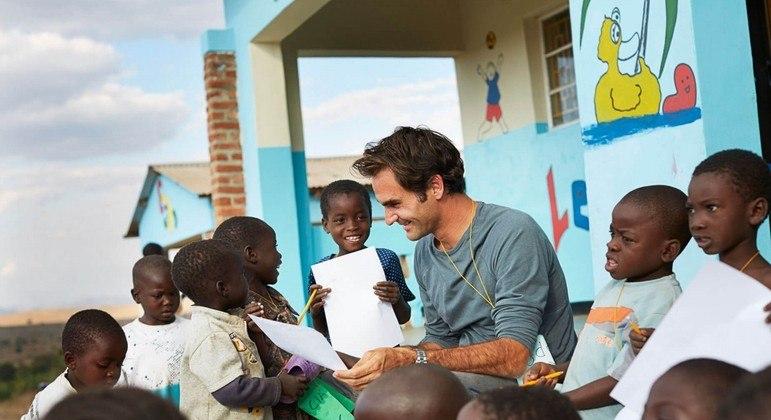 Roger Federer doou mais de R$ 83 milhões para construção de escolas no Malawi