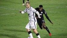 Corinthians sai atrás, mas busca empate com o Bragantinono fim