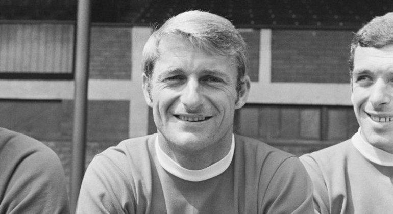 Roger Hunt, ídolo do Liverpool e campeão do mundo pela Inglaterra, morre aos 83 anos