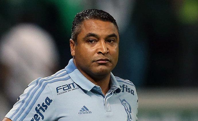 Roger Machado: 44 jogos / 27 vitórias / 9 empates / 8 derrotas - aproveitamento: 68,1%