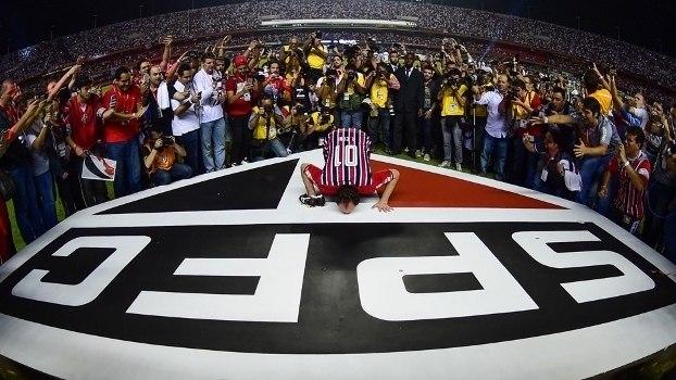 Rogério Ceni está cada vez mais carinhoso em relação ao São Paulo. Espera Leco sair