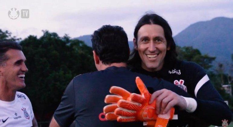 Rogério Ceni abraça Cassio e Mancini ri. Corinthians está aberto ao ídolo são paulino