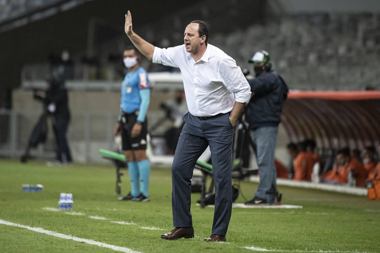 Rogério Ceni foi desmoralizado por funcionário do Flamengo. Técnico está perto da demissão