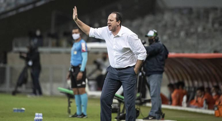 A derrota para o Atlético só aumenta mais a pressão sobre Ceni. Quatro derrotas em oito jogos
