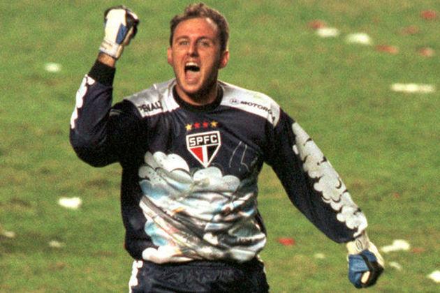 Rogério Ceni usou diversos modelos ao longo da carreira, Um dos mais icônicos é o utilizado em 2000, que foi desenhada pelo próprio goleiro. O Tricolor foi campeão paulista daquele ano