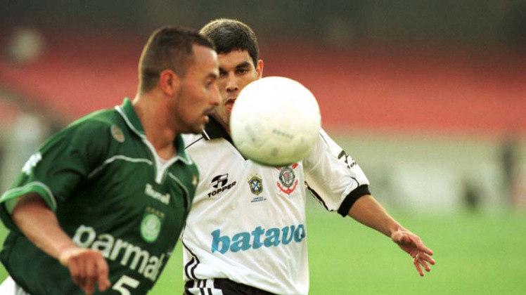 Rogério: Encerrou a carreira em 2011, no Oeste. Foi peça importante na conquista de 1999