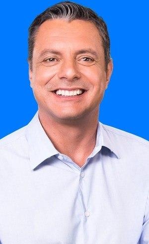 Rogério Santos lidera a pesquisa