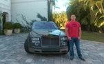 O lutador John Cena, famoso pelas aparições no WWE, ocupa a sexta posição. Cena gosta de colecionar alguns carros mais antigos inspirados nos filmes 'Velozes e Furiosos', mas também gosta de carros luxuosos, como o seu 2006 Rolls Royce Phantom, de R$ 2,5 milhões