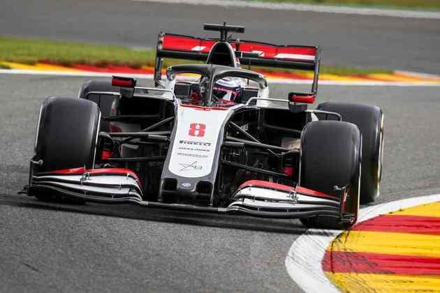 Romain Grosjean acelera o carro #8 no segundo treino livre em Spa