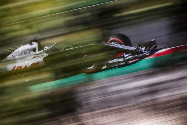 Romain Grosjean em ação no circuito de Portimão durante a classificação