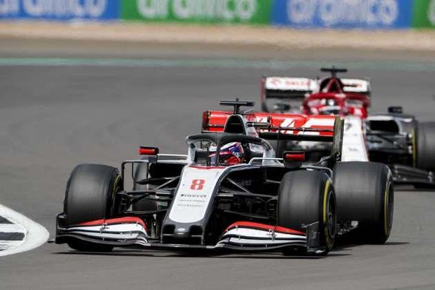 Romain Grosjean fez uma estratégia diferente, mas que não rendeu. Foi apenas 16º