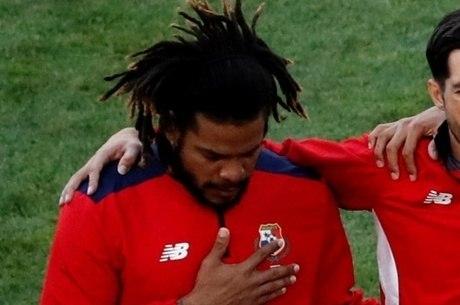 Román Torres chorou ao tocar o hino do Panamá