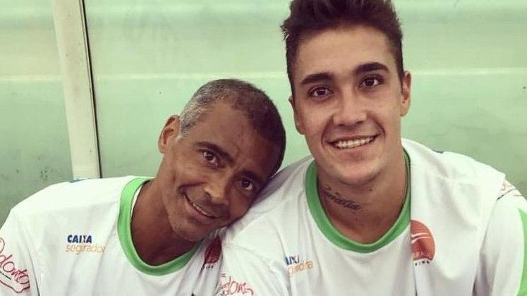 Romarinho - Filho do craque Romário, o jogador já passou por clubes como Vasco, Brasiliense, Zweigen Kanazawa, Macaé e Figueirense. Atualmente, defende as cores do Joinville