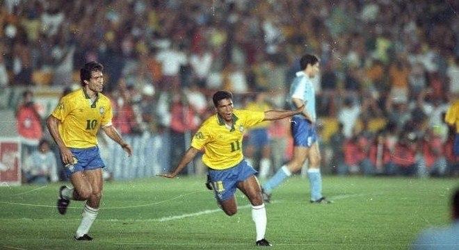 Romário desafiou Parreira. Ricardo Teixeira teve de impor o jogador na Seleção